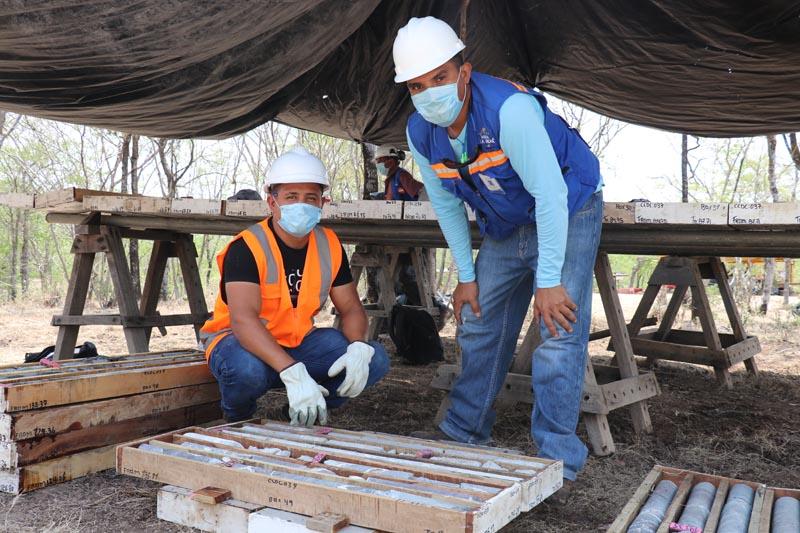 Condor Gold sigue creciendo con trabajadores locales ahora profesionales